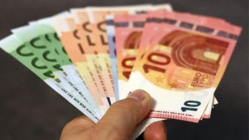 raha-asiat on hoidettava kunnolla.